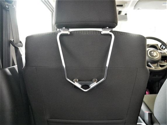 ヘッドレストホルダー助手席装着135